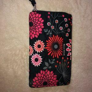bella taylor wallet